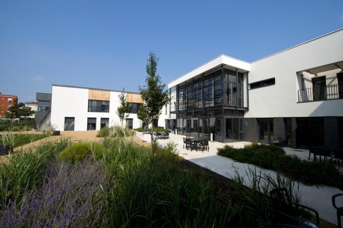 jean courjon atelier didier dalmas architectes associes a lyon With surface d une maison 3 jean courjon atelier didier dalmas architectes associes 224 lyon